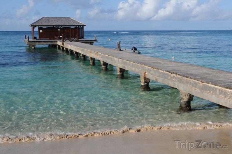 Fotka, Foto Molo ve městě Sainte-Anne (Guadeloupe)