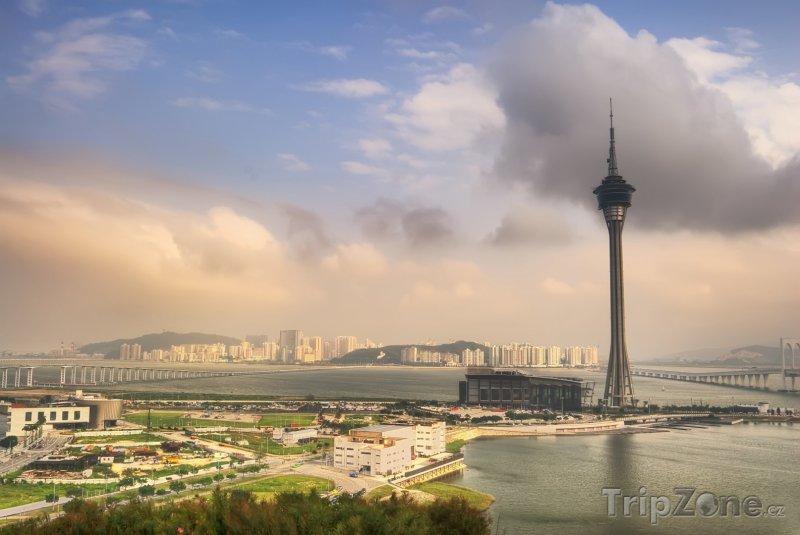 Fotka, Foto Mraky nad městem (Macao)