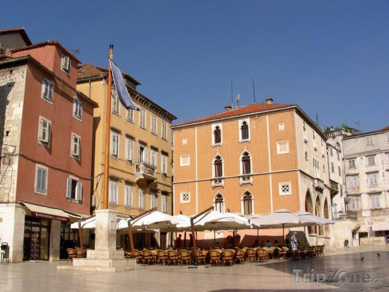 Fotka, Foto Náměstí v Diokleciánově paláci (Split, Chorvatsko)