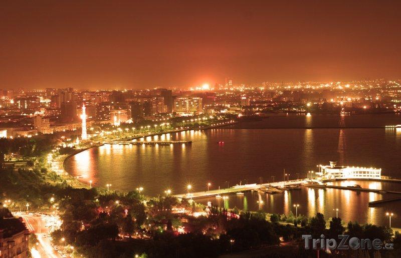 Fotka, Foto Noční Baku (Ázerbájdžán)
