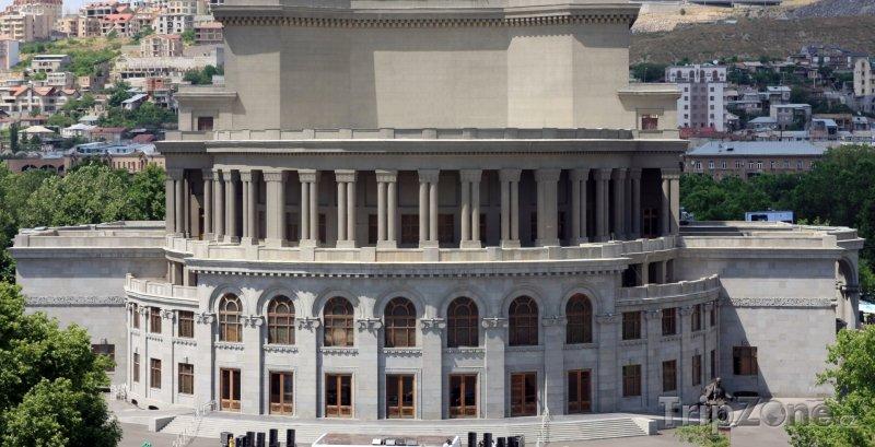 Fotka, Foto Opera v Jerevanu (Arménie)