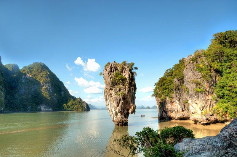 Fotka, Foto Ostrov Ko Tapu v zálivu Phang Nga (Phuket, Thajsko)