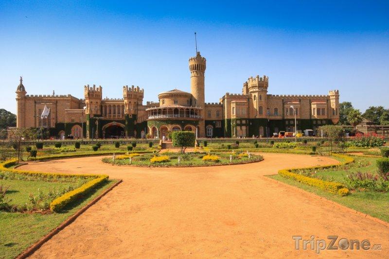 Fotka, Foto Palác v Bangalore (Indie)
