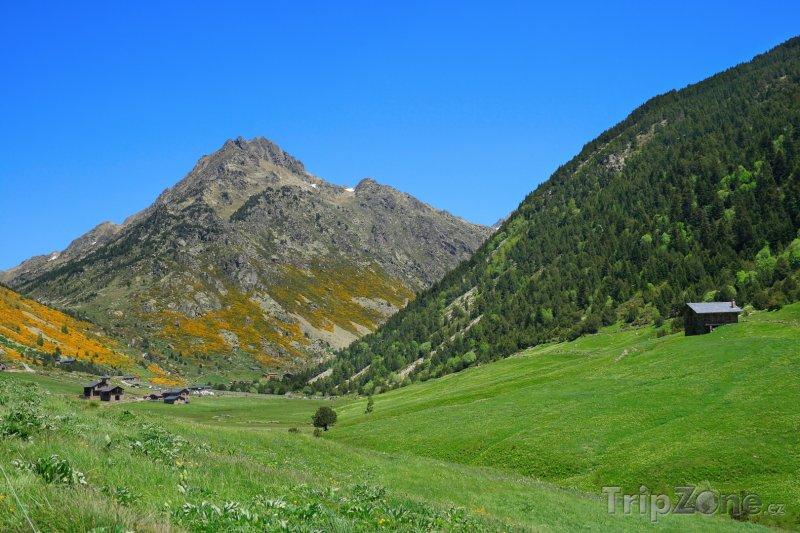 Fotka, Foto Pohled na horské údolí (Andorra)