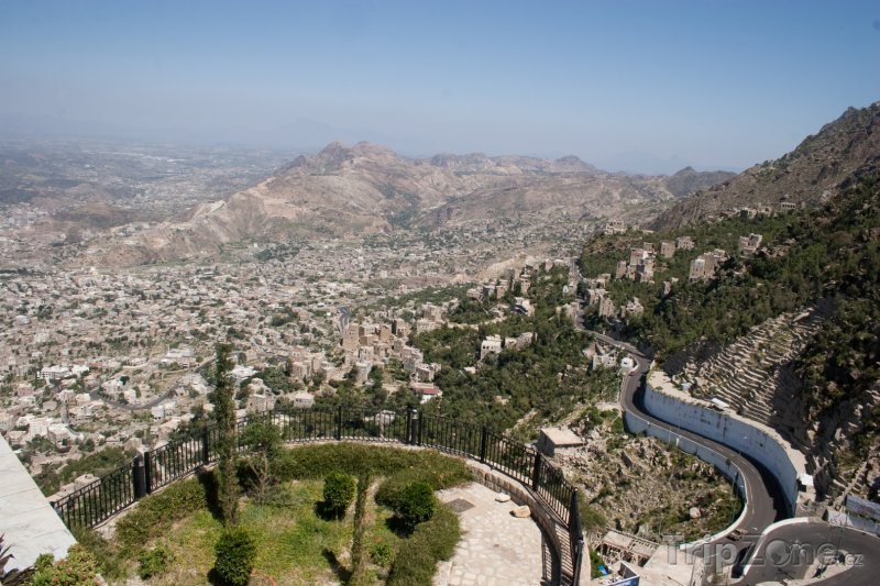 Fotka, Foto Pohled na město Taiz (Jemen)