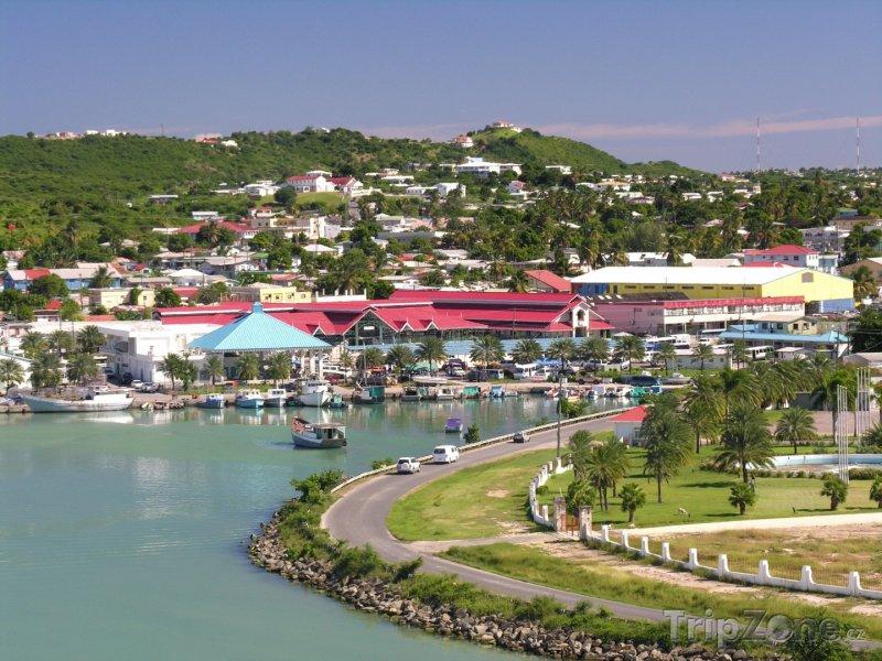 Fotka, Foto Přístav ve městě Saint John´s (Antigua a Barbuda)