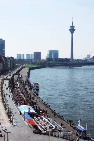 Fotka, Foto Promenáda podél řeky Rýn (Düsseldorf, Německo)