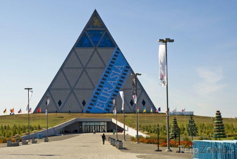 Fotka, Foto Pyramida Míru v Astaně (Kazachstán)
