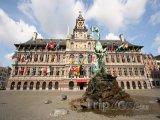Radnice na náměstí Grote Markt
