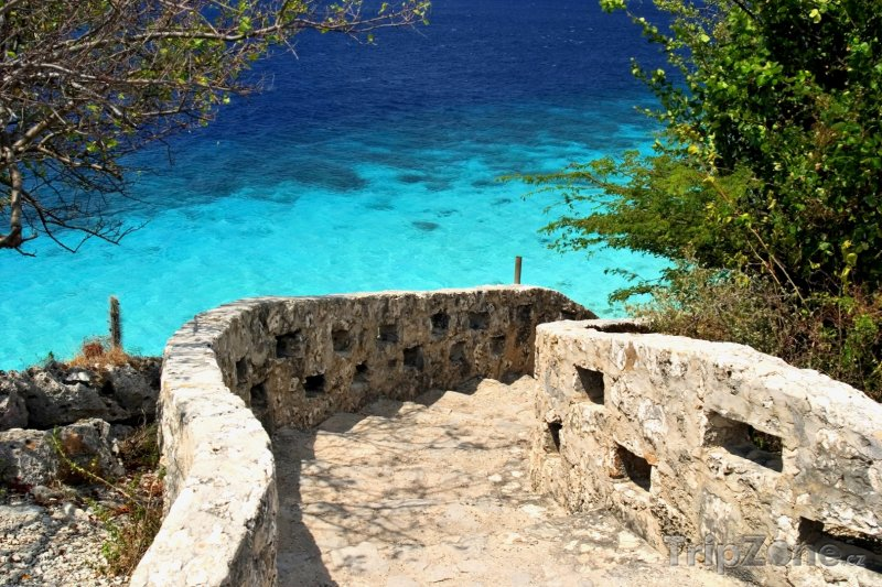 Fotka, Foto Schody na pláž 1000 Steps (Bonaire)