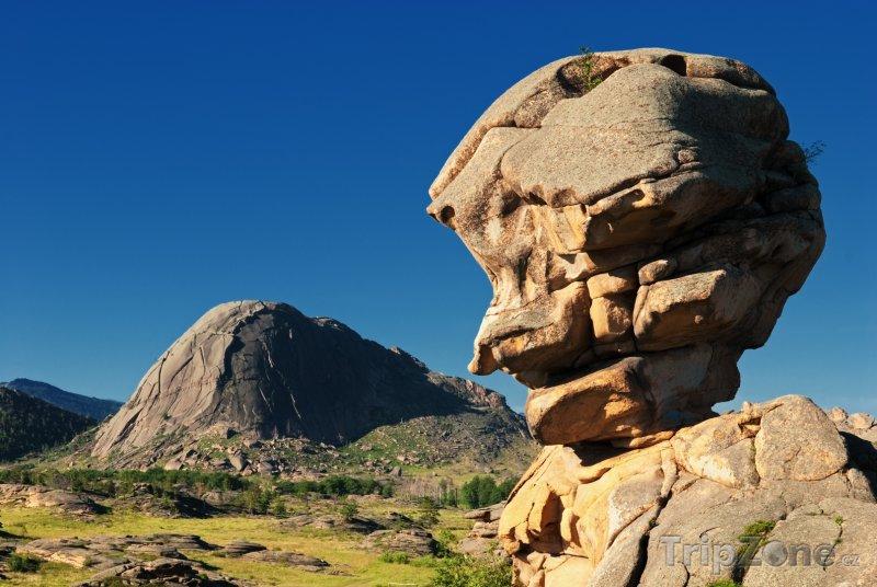 Fotka, Foto Skály v národním parku Bayanaul (Kazachstán)
