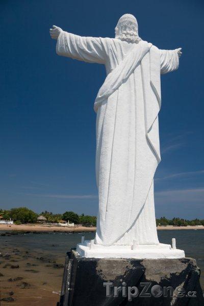 Fotka, Foto Socha Krista na pláži (Salvador)