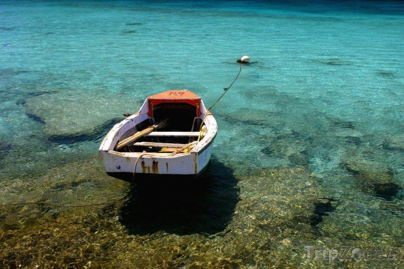 Fotka, Foto Stará rybářská loďka (Bonaire)