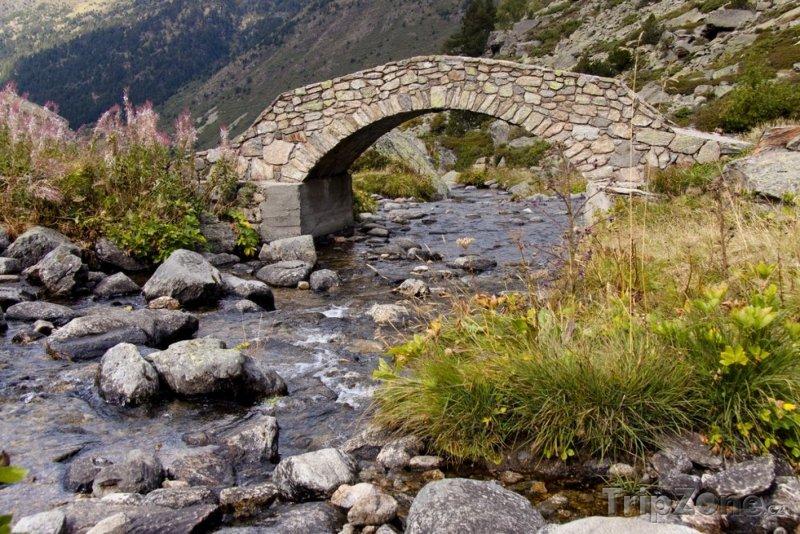 Fotka, Foto Starý most přes řeku ve Vall de Ransol (Andorra)