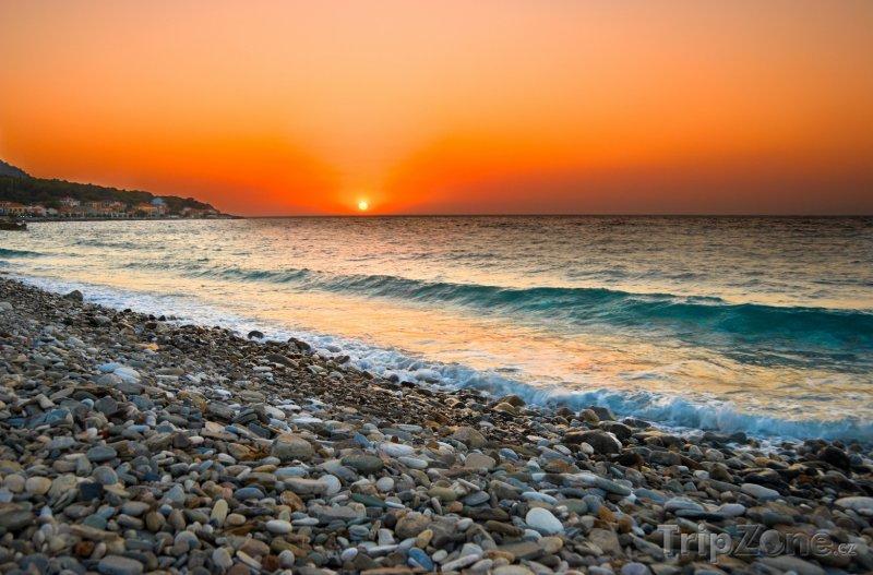 Fotka, Foto Středozemní moře při západu slunce (Samos, Řecko)