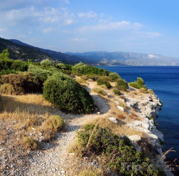 Fotka, Foto Turistická stezka na útesu (Samos, Řecko)