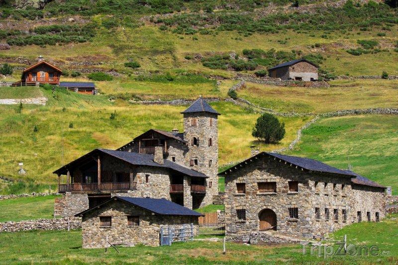 Fotka, Foto Typická architektura Andorry (Andorra)
