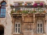 Typický balkon v centru města