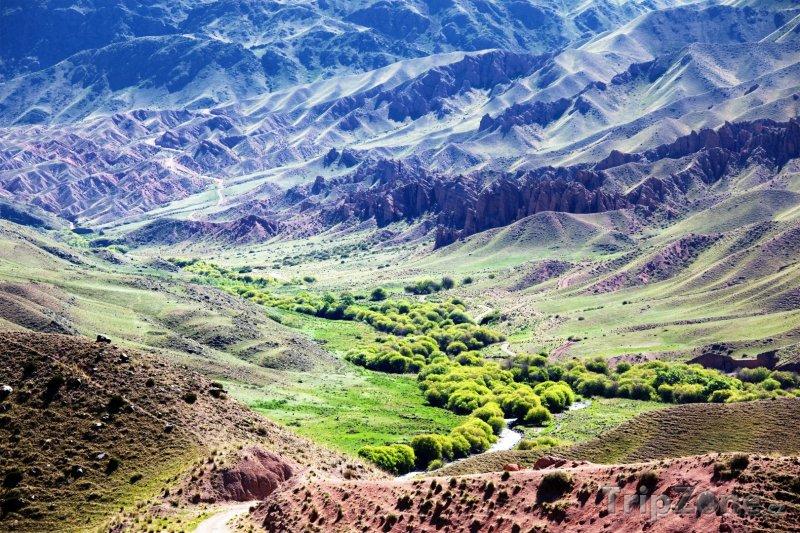 Fotka, Foto Údolí v pohoří Ťan-šan (Kazachstán)