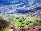 Údolí v pohoří Ťan-šan