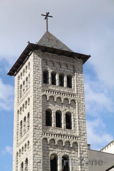 Fotka, Foto Věž kostela v Les Escaldes (Andorra)