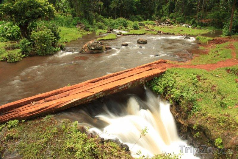 Fotka, Foto Vrchní část vodopádu Sipi (Uganda)