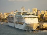 Výletní loď v přístavu San Juan