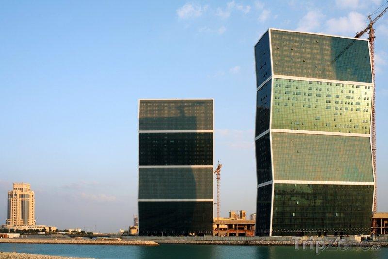 Fotka, Foto Zig-Zag Towers v Dauhá (Katar)