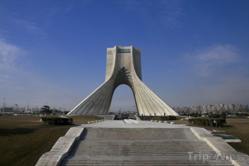 Fotka, Foto Azadi, monument v Teheránu (Írán)