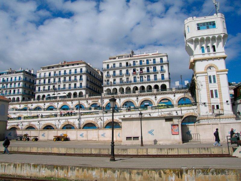 Fotka, Foto Budovy ve městě Alžír (Alžírsko)
