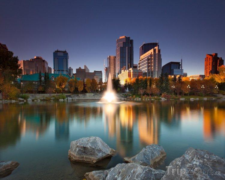 Fotka, Foto Calgary, jezírko v parku (Kanada)