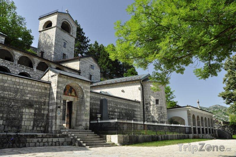 Fotka, Foto Cetinjský klášter ve městě Cetinje (Černá Hora)