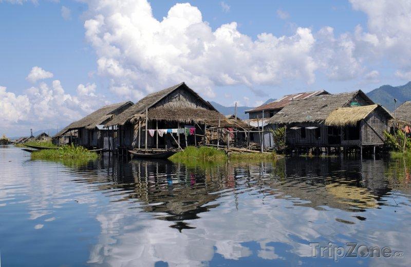 Fotka, Foto Chýše na jezeru Inle (Barma)