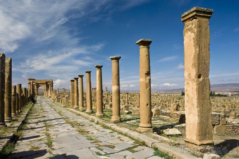 Fotka, Foto Decumanova cesta v Timgadu (Alžírsko)