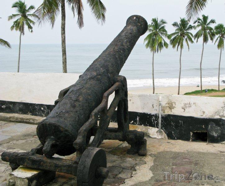 Fotka, Foto Dělo na hradě Elmina (Ghana)