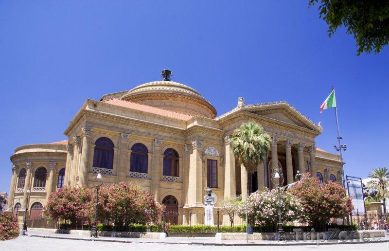 Fotka, Foto Divadlo Teatro Massimo v Palermu (Itálie)