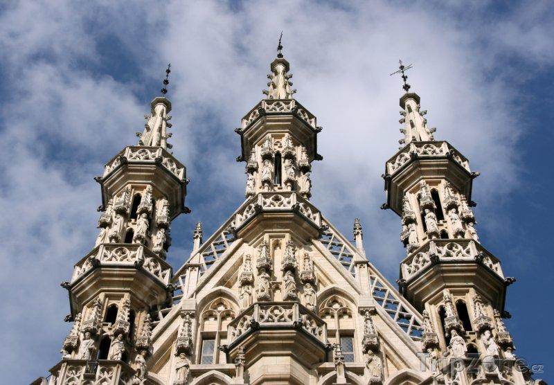 Fotka, Foto Gotická radnice v Lovani (Belgie)