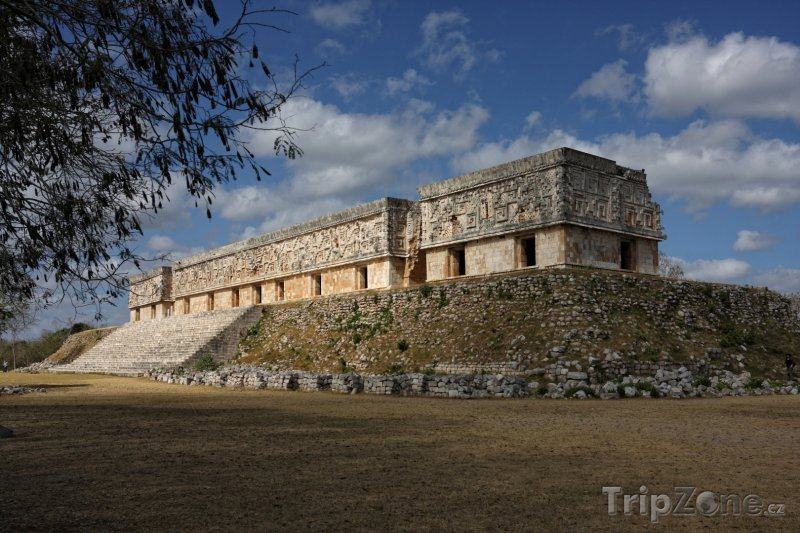 Fotka, Foto Guvernérův palác v Uxmalu (Mexiko)