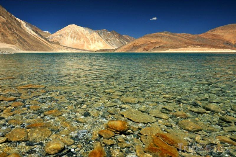 Fotka, Foto Himalájské jezero Pangong Tso (Indie)