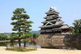 Hrad Macumoto na ostrově Honšú