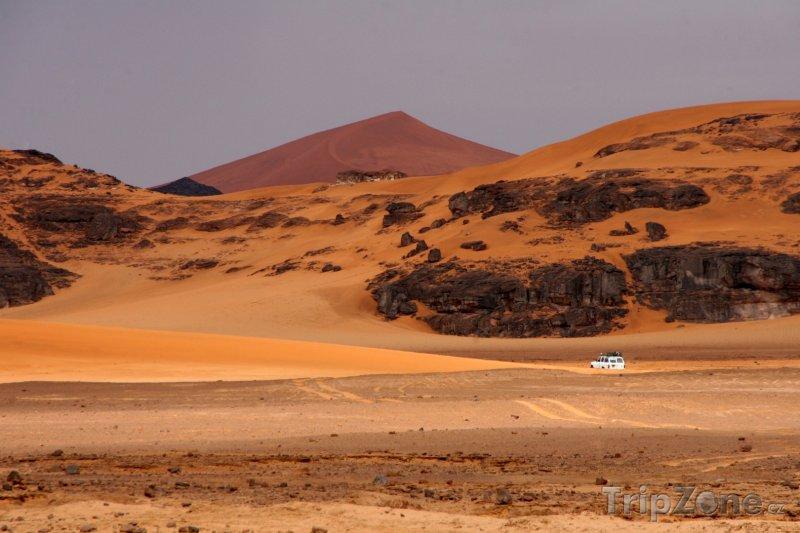 Fotka, Foto Jeep v poušti (Alžírsko)