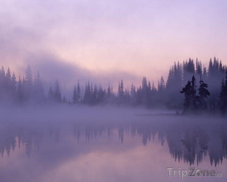 Fotka, Foto Jezero v národním parku Mount Rainier (USA)
