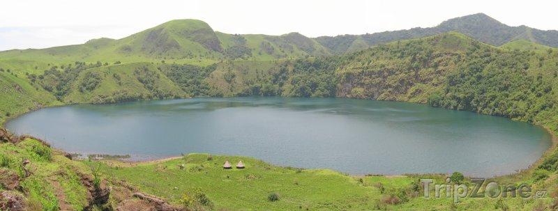 Fotka, Foto Jezero (Kamerun)
