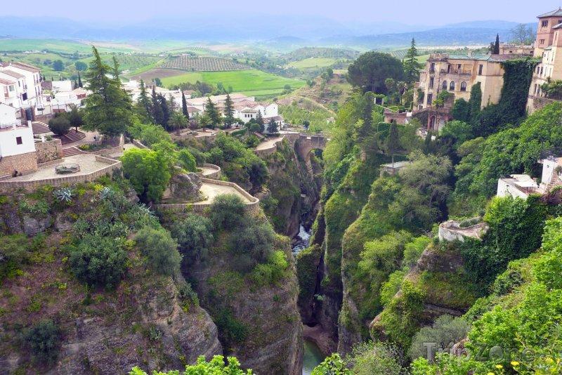 Fotka, Foto Kaňon ve městě Ronda (Španělsko)