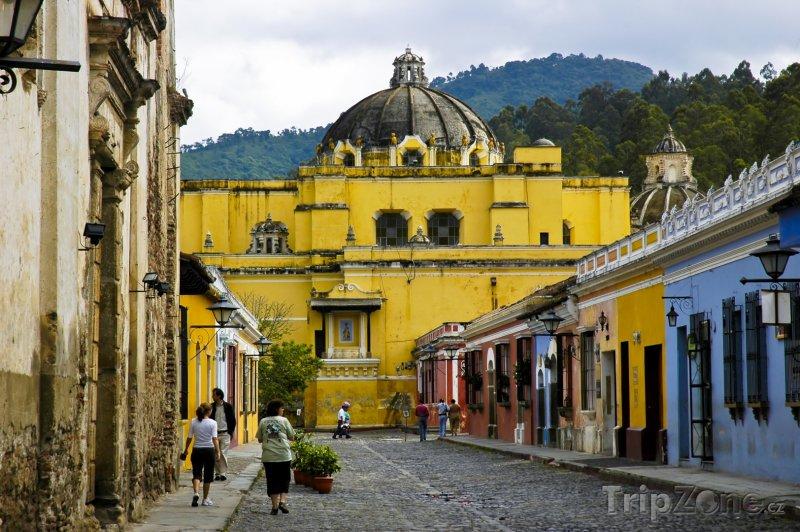 Fotka, Foto Kostel ve městě Antigua Gutaemala (Guatemala)
