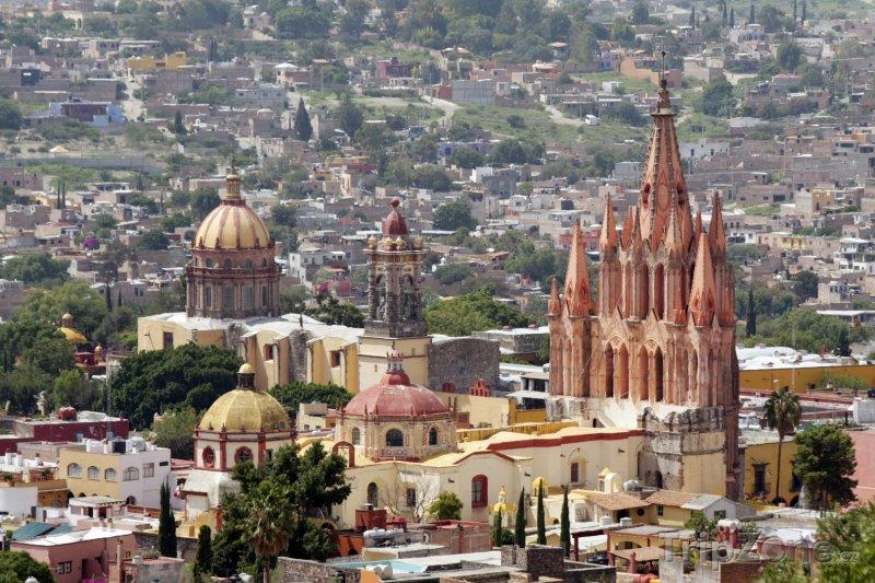 Fotka, Foto Kostel ve městě San Miguel de Allende (Mexiko)