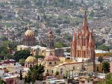 Kostel ve městě San Miguel de Allende