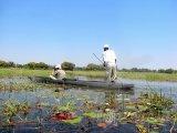 Makoro, kánoe používané na řece Okavango