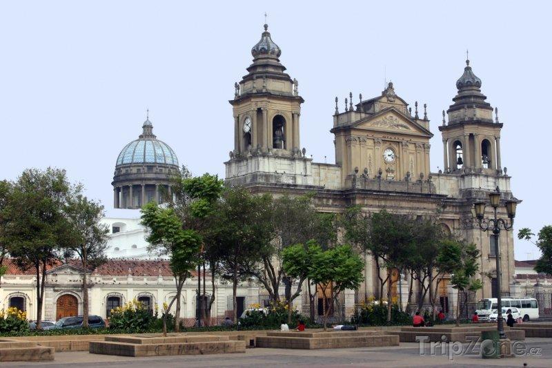 Fotka, Foto Metropolitní katedrála v Guatemala City (Guatemala)