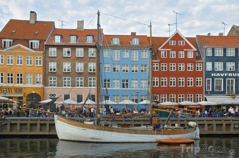 Fotka, Foto Nábřeží Nyhavn v Kodani (Dánsko)